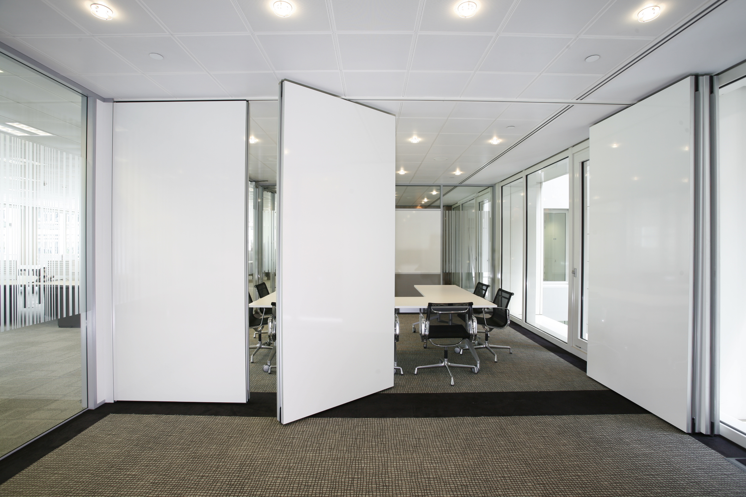 Moveable wall systems fit out contracts ltd for Movable walls room partitions